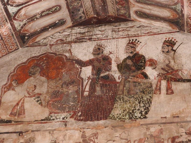 在墙壁上的精妙的古老绘画在orcha的,印度,中央邦贾汉吉尔玛哈尔 图库摄影