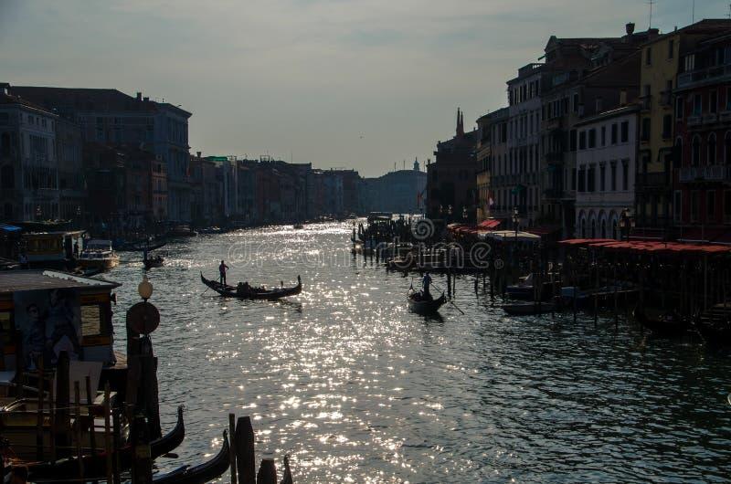 在太阳下的大运河 免版税库存图片
