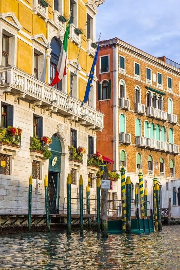 在威尼斯,意大利维持卫兵大厦治安 库存照片