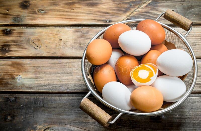 在平底深锅的鸡蛋 库存照片