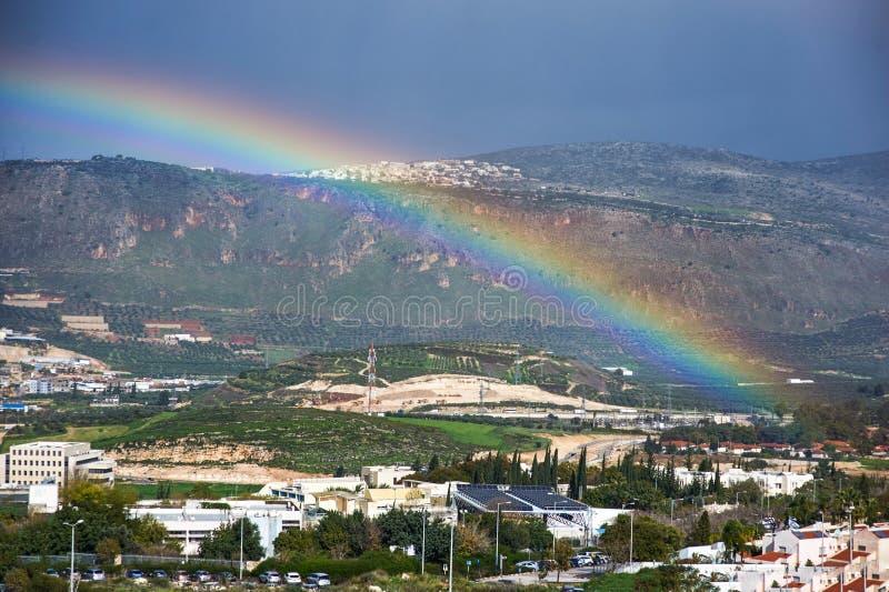 在城市的大彩虹 库存照片