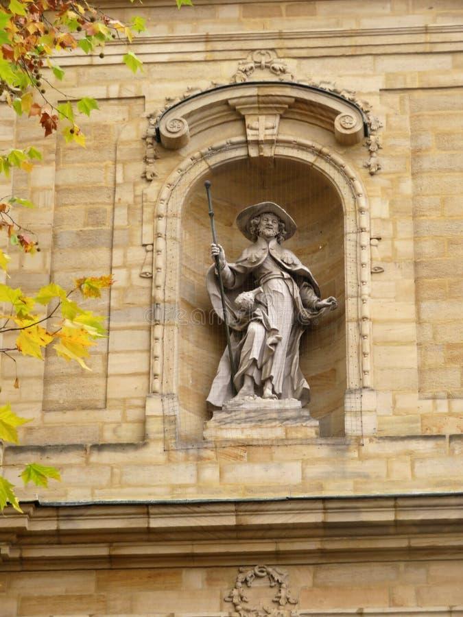 在圣雅各布教会的大厦的雕塑  库存图片