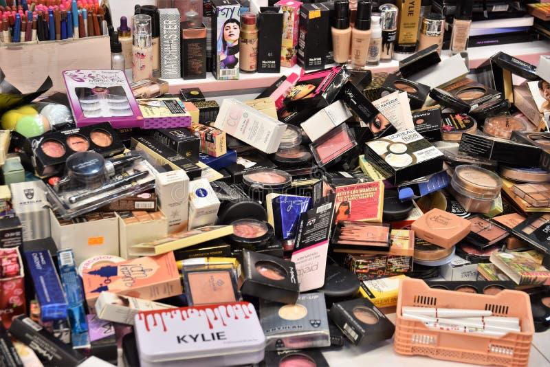 在化妆用品供应和丰盈  库存照片