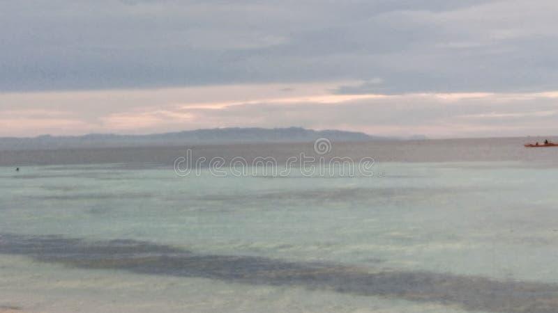在海享受夏天 免版税库存图片