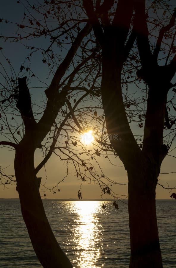 在湖Garda,意大利的日落 库存照片