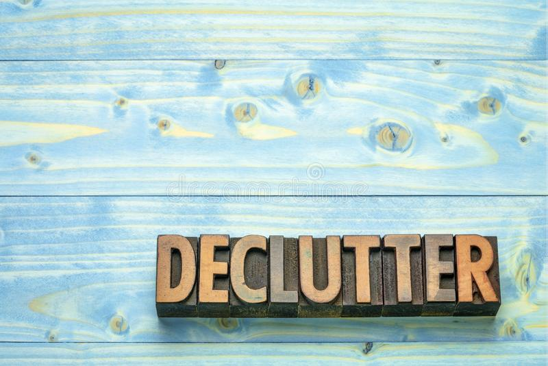 在木类型的Declutter词 库存照片