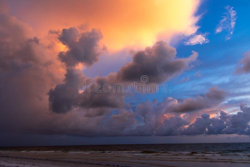 在日落的海湾墨西哥 免版税图库摄影