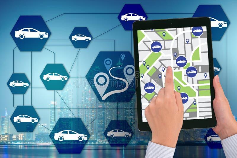 在网上预定汽车的概念 免版税库存图片