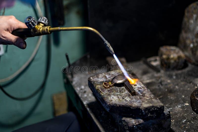 在白色背景的焊接工具 免版税库存图片