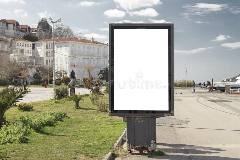 在街道上的广告牌 免版税库存图片