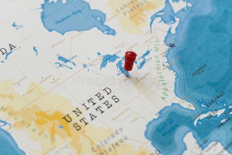 在芝加哥,世界地图的美国的一个别针 免版税库存图片
