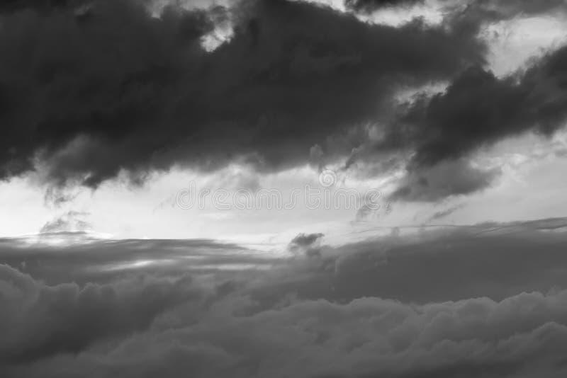 在风暴以后的惊人天空 库存照片