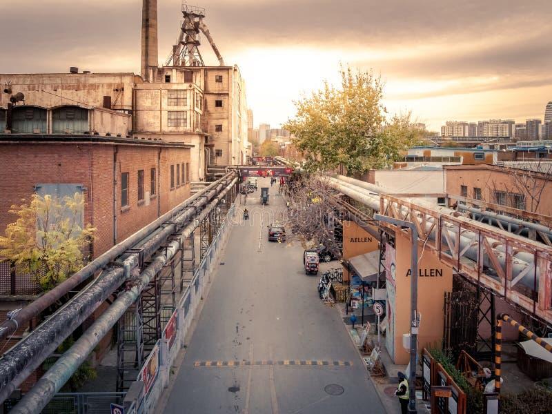 在798艺术区的流浪汉在北京,瓷 库存照片