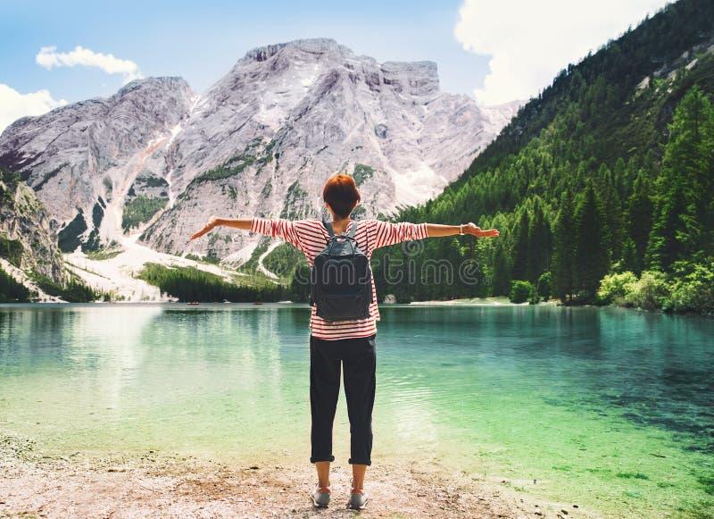 在Braies Lake拉戈在白云岩的Di Braies,意大利,欧洲的旅行 库存图片