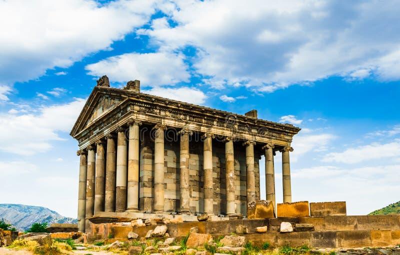 在Garni异教的寺庙的看法,希腊文化的寺庙在亚美尼亚共和国 库存图片