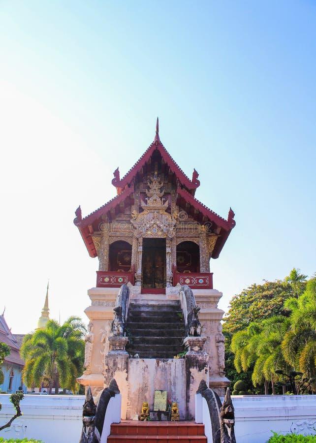 在phra辛哈寺庙的风景在Chiangmai,泰国,Ho trai 库存图片