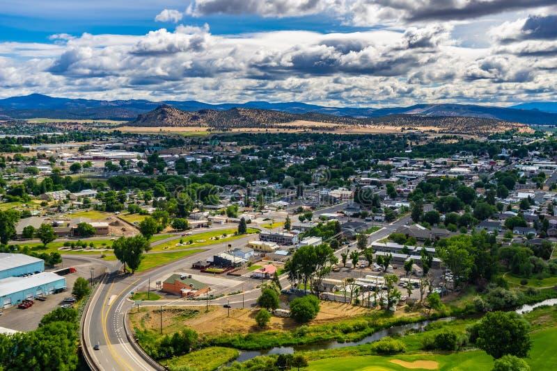 在Prineville,俄勒冈中部,美国的俯视的看法 免版税库存照片
