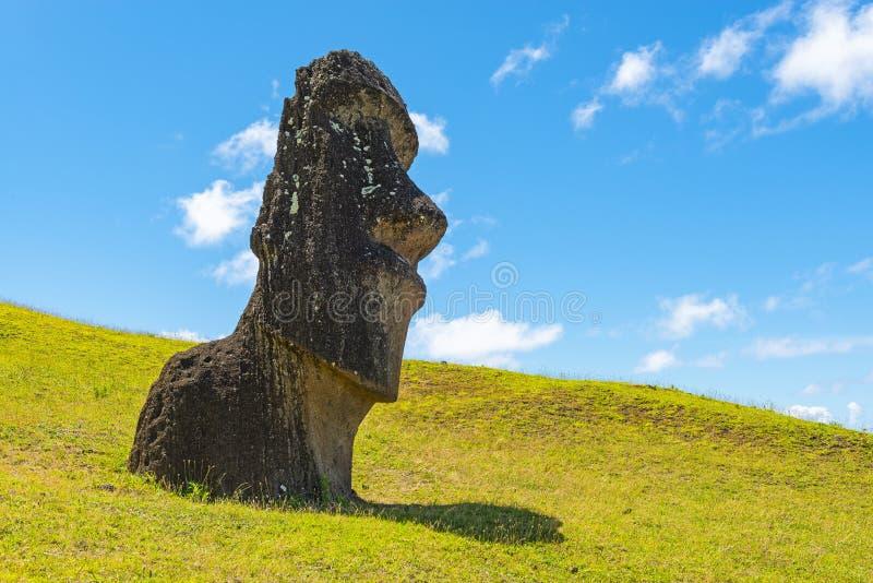 在Rano Raraku,复活节岛,智利的Moai雕象 库存照片