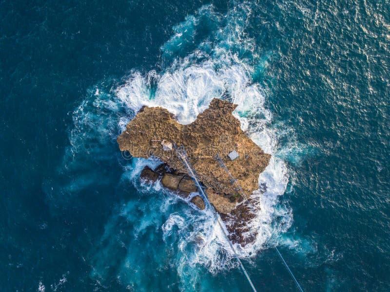 在Timang海岛的长平底船 库存图片
