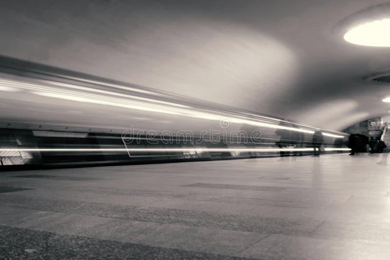 地下地铁长的曝光照片 库存图片