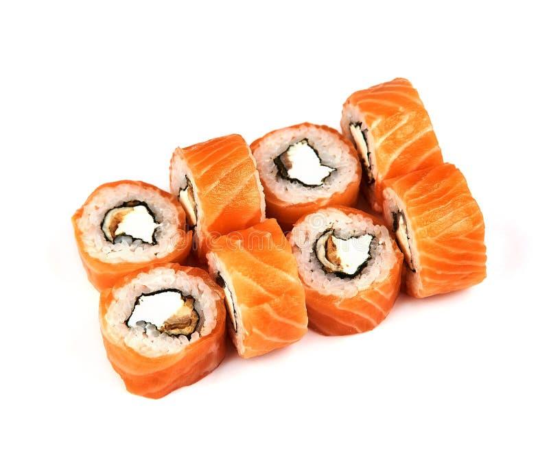 劳斯,费城寿司用在白色背景的鳗鱼用鲕梨 日本食物 免版税库存照片