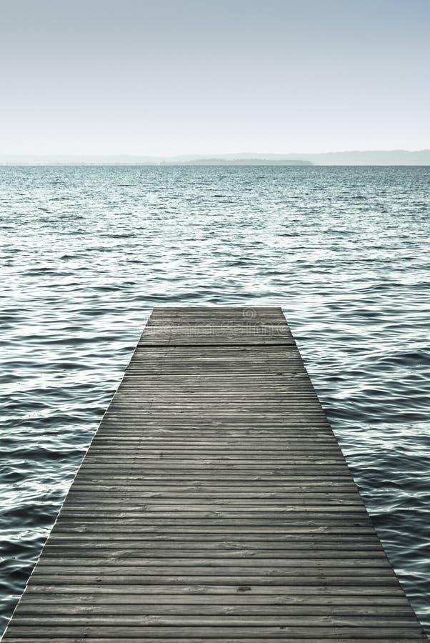 加尔达湖,栈桥,威尼托,意大利 免版税库存图片