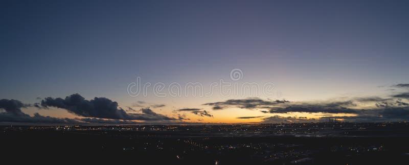 Ładny zmierzch za linia horyzontu miasto Madryt zdjęcia royalty free