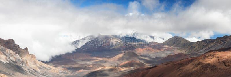 哈莱亚卡拉火山口的全景 图库摄影