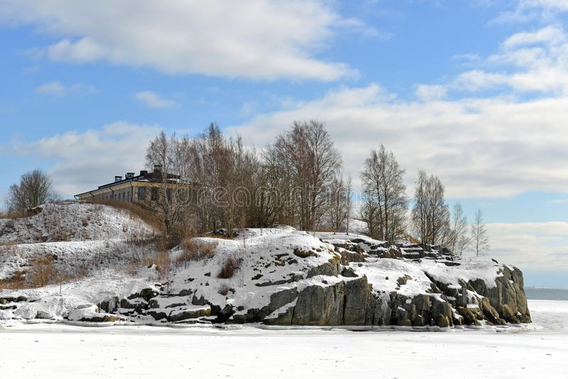 冬天壮观的Harakka鹊海岛在波罗的海 赫尔辛基,芬兰 库存照片