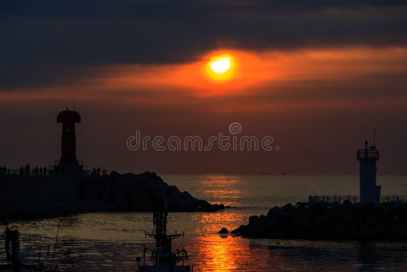 冬天大海的光彩的焕发 免版税库存图片