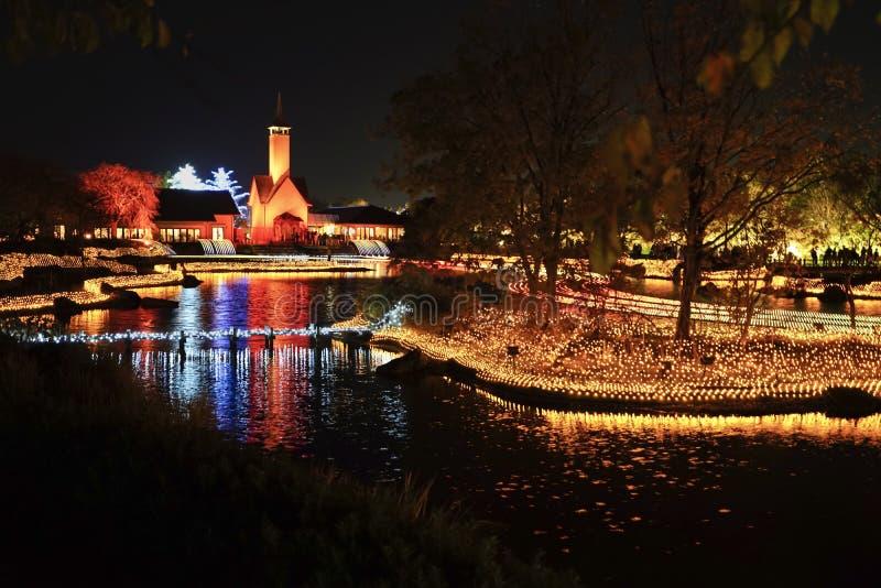 冬天照明事件展示在晚上在Nabana没有佐藤庭院 库存照片