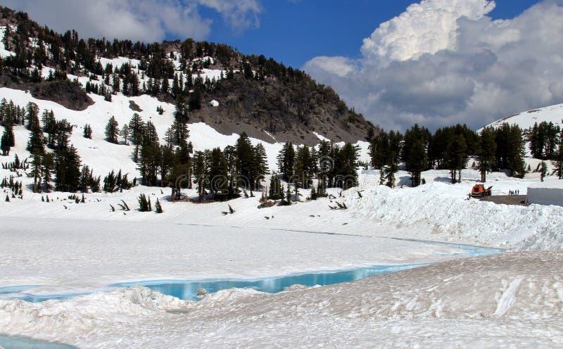 冻湖在拉森火山国家公园 库存照片