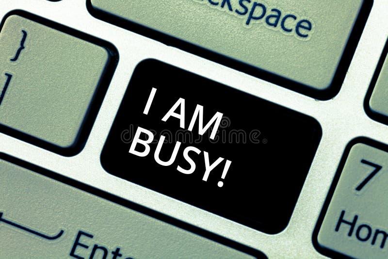 写文本我的词是繁忙的 有企业的概念为做很多的工作注重休闲键盘的没有时间 库存例证