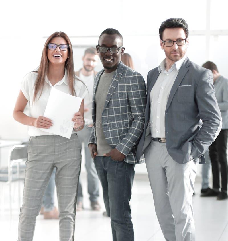 公司身分的上司和雇员在办公室 库存图片