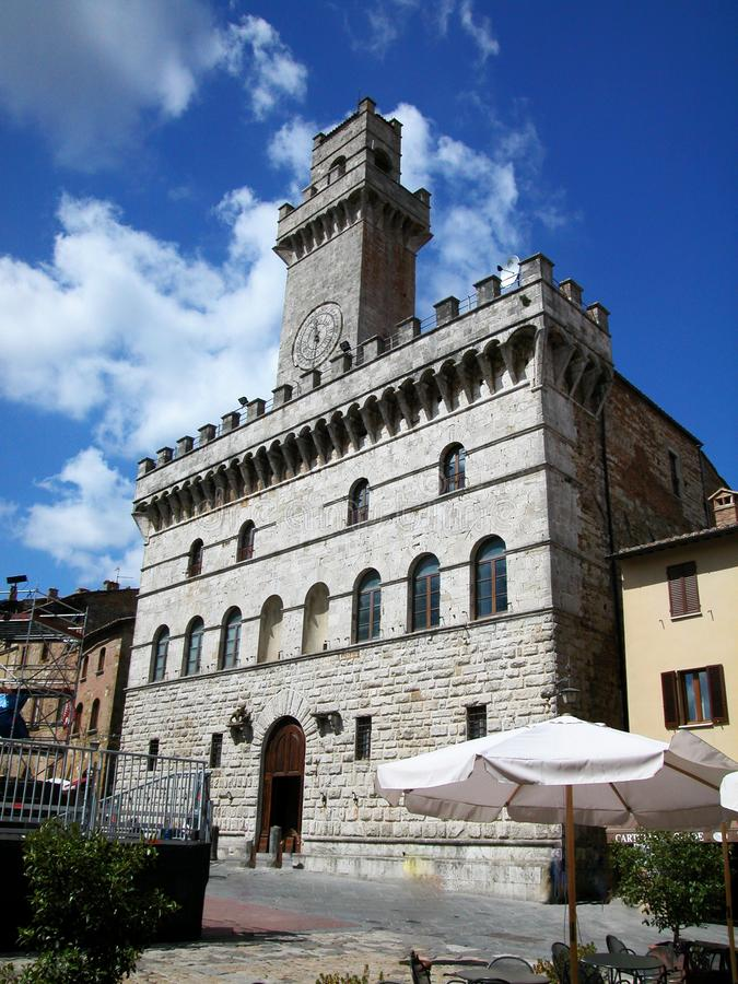 共同宫殿在蒙特普齐亚诺,托斯卡纳,意大利 库存照片