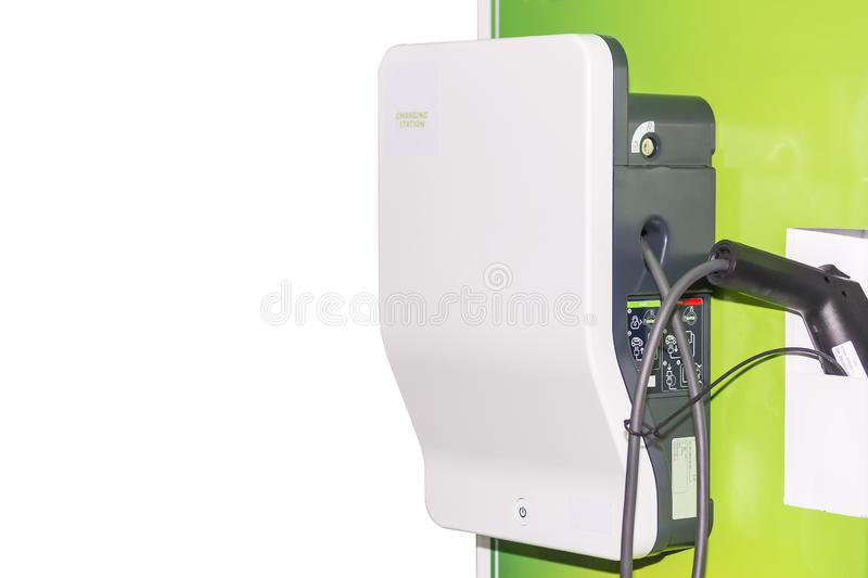 充电Ev汽车的电动车Ev驻地被隔绝在白色背景 库存图片