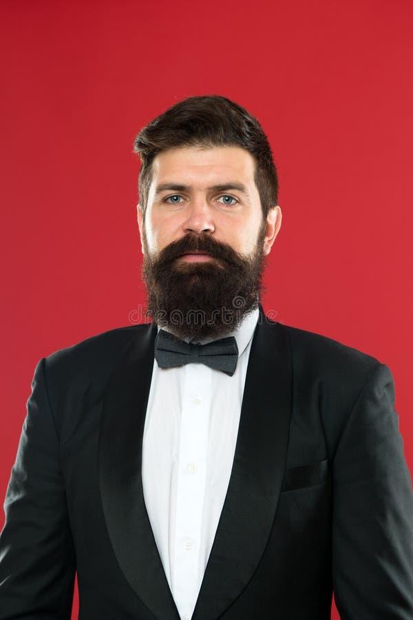 Ślubny mężczyzny kostium Formalnej odzieży męska moda Biznesmen w smokingu Formalny wydarzenie Mężczyzny fornal z brodą w ślubu k fotografia stock