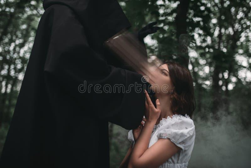 Śmierć bierze duszę młoda żeńska ofiara fotografia royalty free