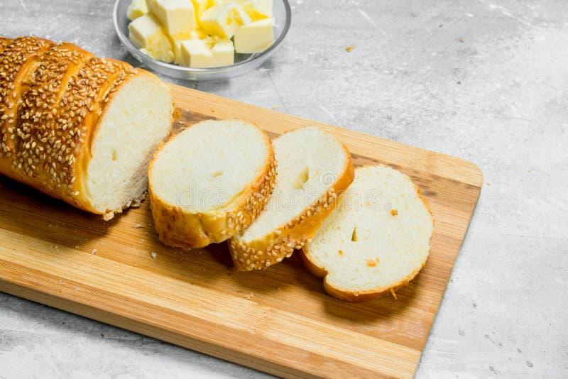 Śniadaniowy Świeży źródło utrzymania na drewnianej desce zdjęcie stock