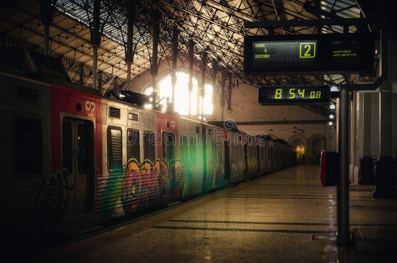 Środkowy dworzec Rossio w Lisbon Portugal w wczesnego poranku sunlith, obraz royalty free