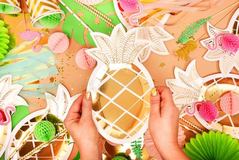 świątecznie tło z zastrzeżeniem tropical hawajczycy Przyjęcie, urodziny na widok Mieszkanie nieatutowy fotografia stock