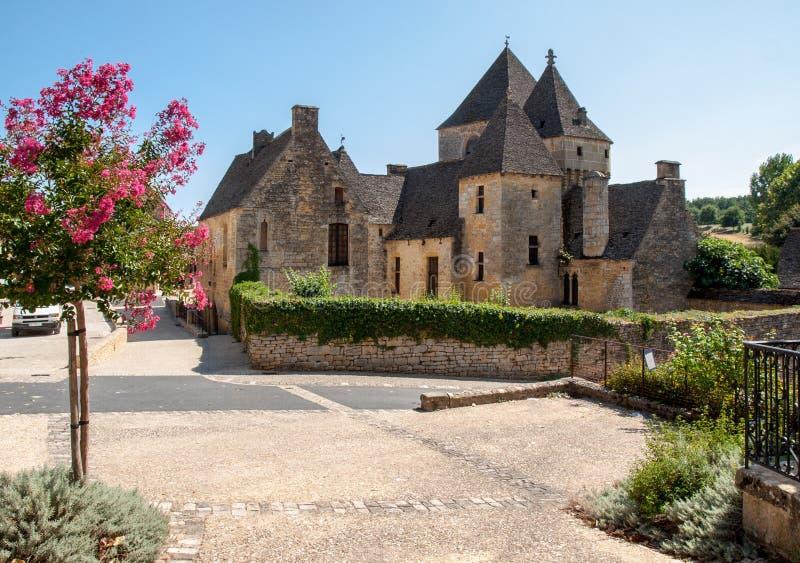 Świątobliwi Genies są uroczy; wioska między Montignac i Sarlat Przy centre wioska jest piękny zespołu składać się zdjęcia stock