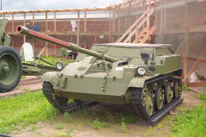 Świątobliwy Petersburg Rosja, Lipiec, - 07, 2017: 57 mm lekki powietrzny samojezdny pistolet ASU-57 Muzeum artyleria, inżynieria  zdjęcie royalty free
