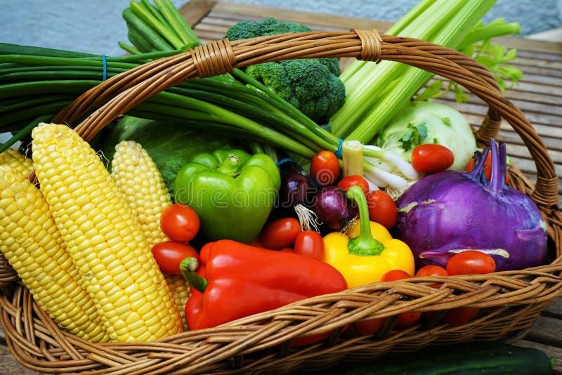 świeżych owoc organicznie warzywa obrazy royalty free