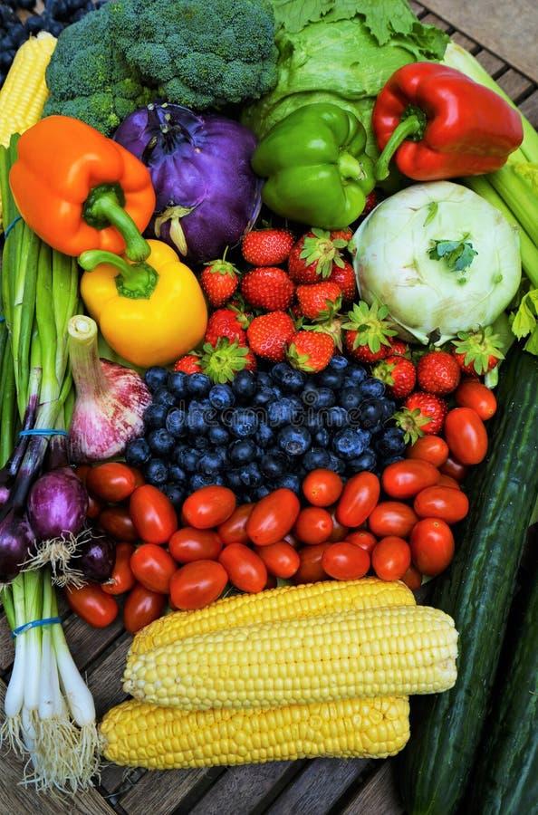 świeżych owoc organicznie warzywa fotografia stock