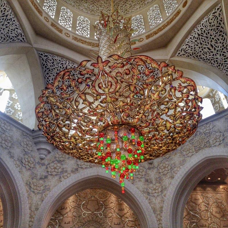Świeczniki Sheikh Zayed Uroczysty meczet zdjęcie royalty free