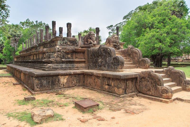 Åhörare Hall - fördärvar i Polonnaruwa - Sri Lanka arkivbilder