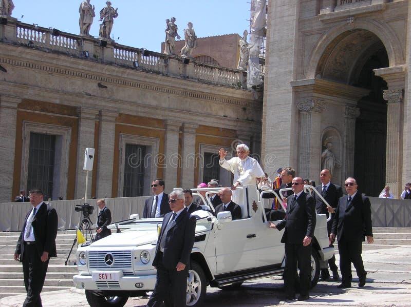 åhörare påvliga vatican arkivbilder