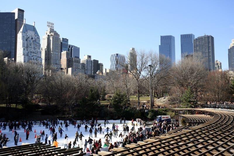 åka skridskor för Central Park isbana royaltyfri foto