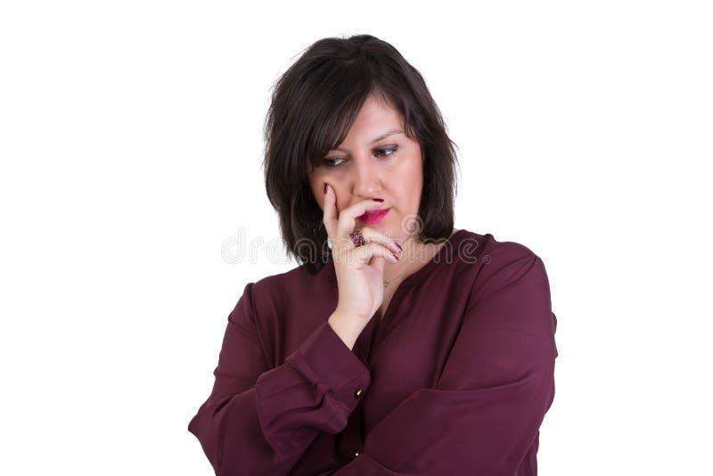 Åldrig affärskvinna Looking för mitt ner hänsynsfullt royaltyfri bild